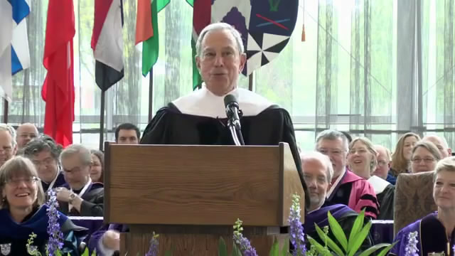 Kenyon College: NYC Mayor Bloomberg Commencement Address/迈克尔·彭博肯尼恩学院2013毕业典礼演讲